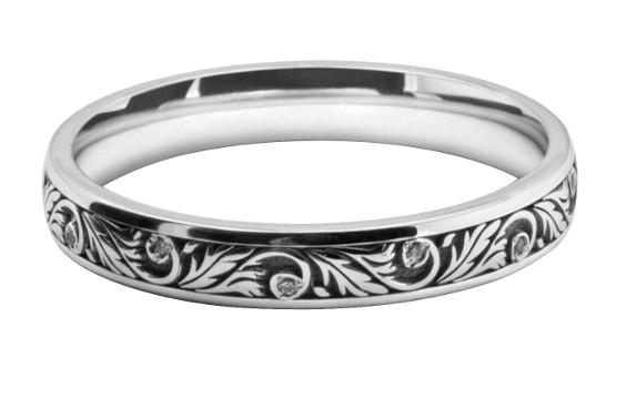 花と植物の模様をリング一周に入れたレディスの結婚指輪オーダー