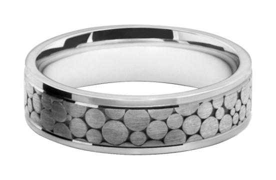円形デザインの模様をレーザー彫刻したメンズの結婚指輪オーダーメイド
